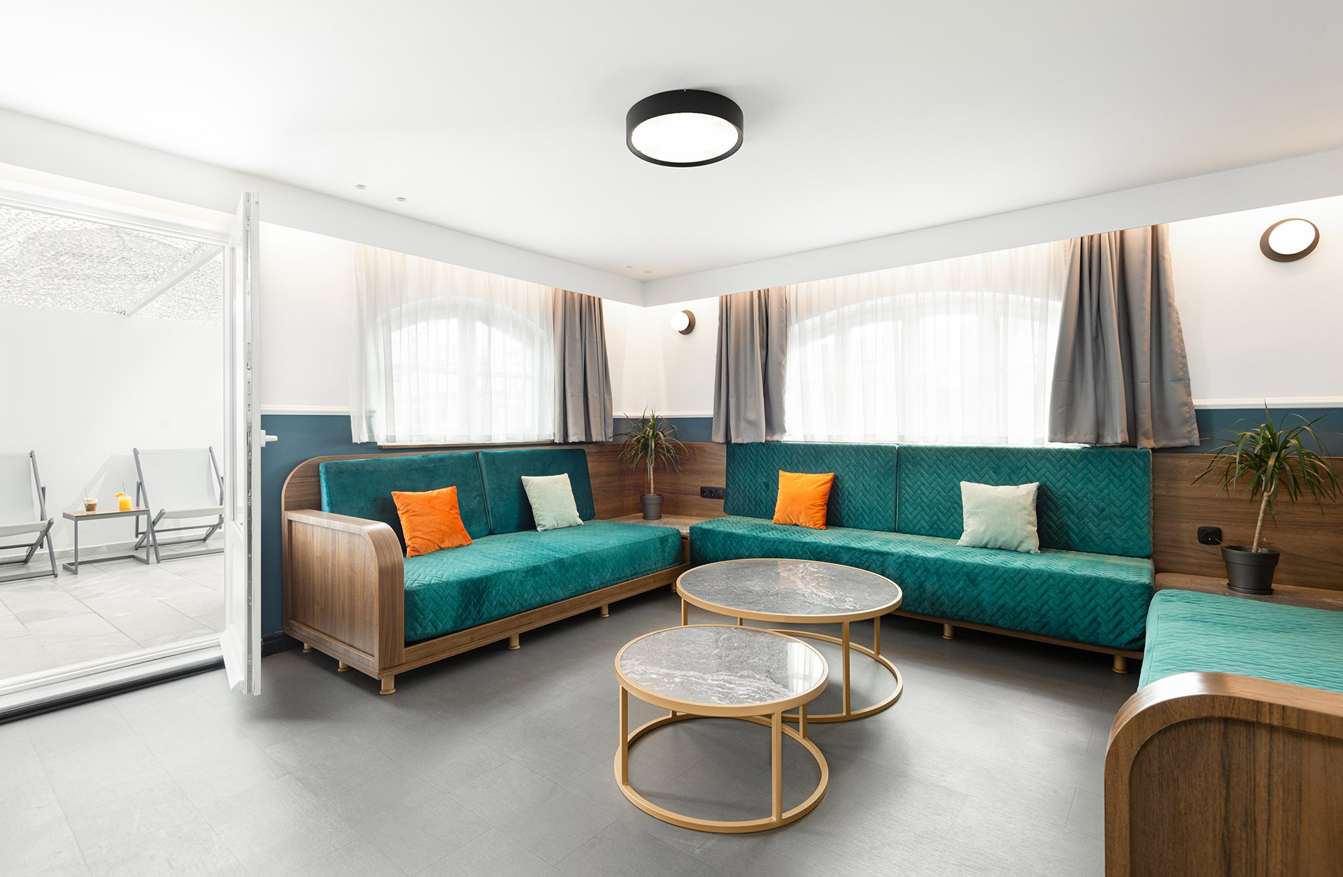 Colors Agiou Mina Thessaloniki Greece King Suite with Private Terrace and Jacuzzi 240 Golden Boy -15
